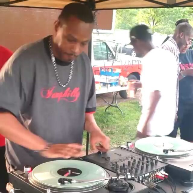 DJ WAX SPINNER